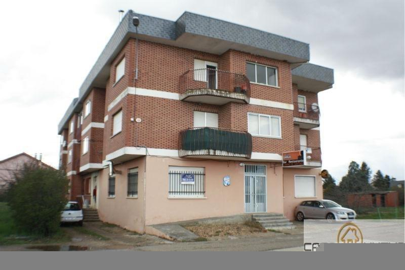 For sale of flat in León