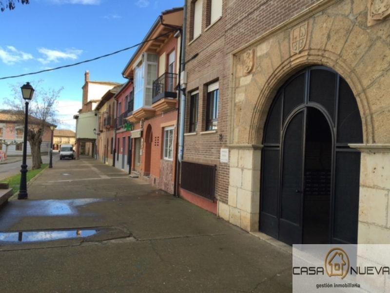 Venta de piso en Villamañán