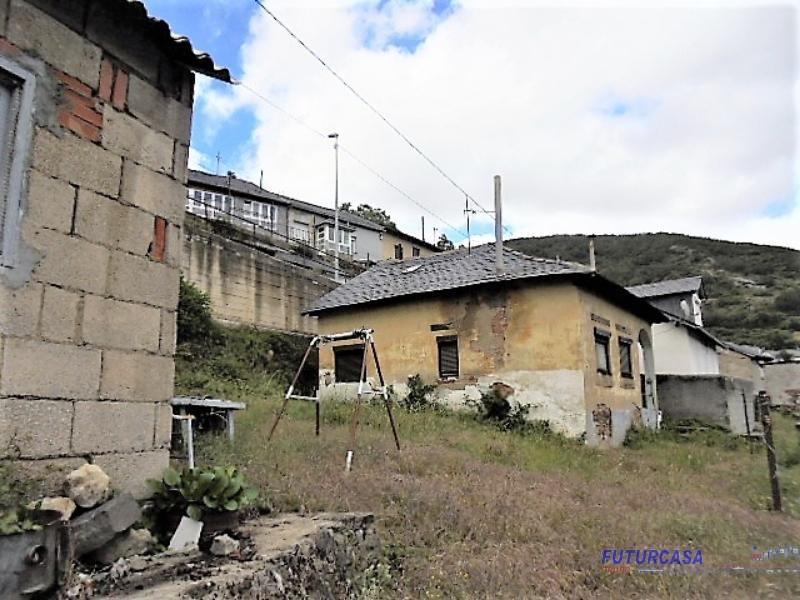Venta de casa en Villanueva de las Manzanas