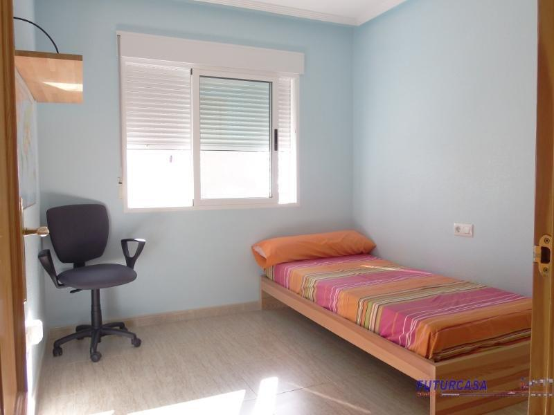 For sale of apartment in Los Alcázares