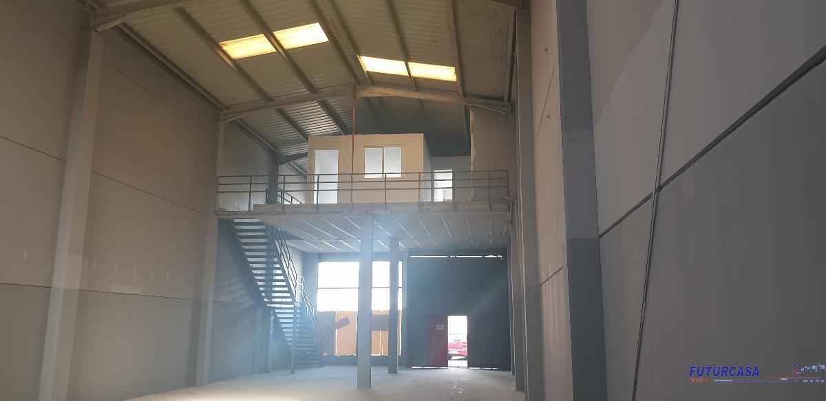 For sale of industrial plant/warehouse in Mairena del Aljarafe