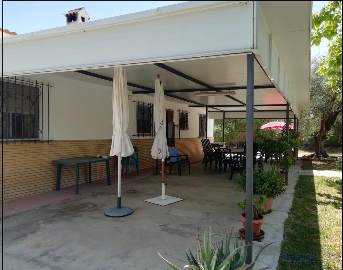 Venta de chalet en Carmona