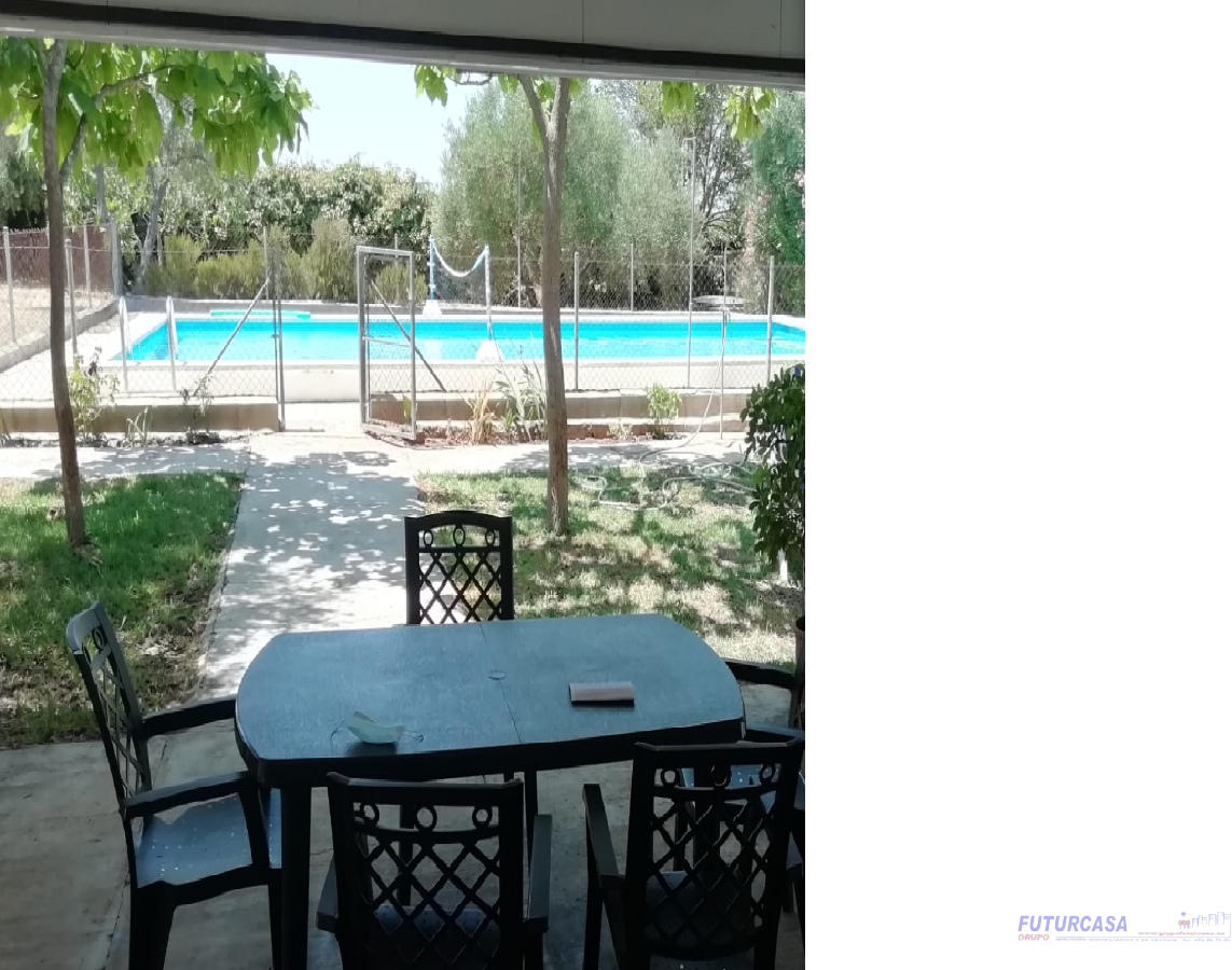 For sale of chalet in Carmona