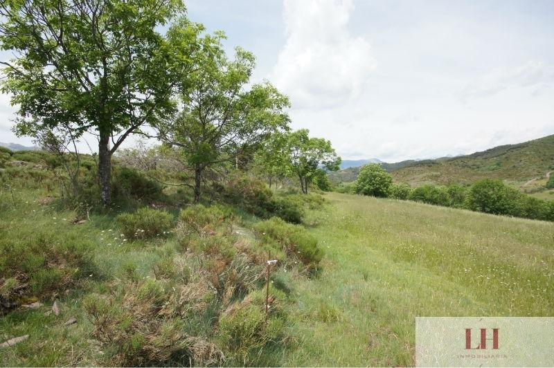 For sale of land in Laspaúles