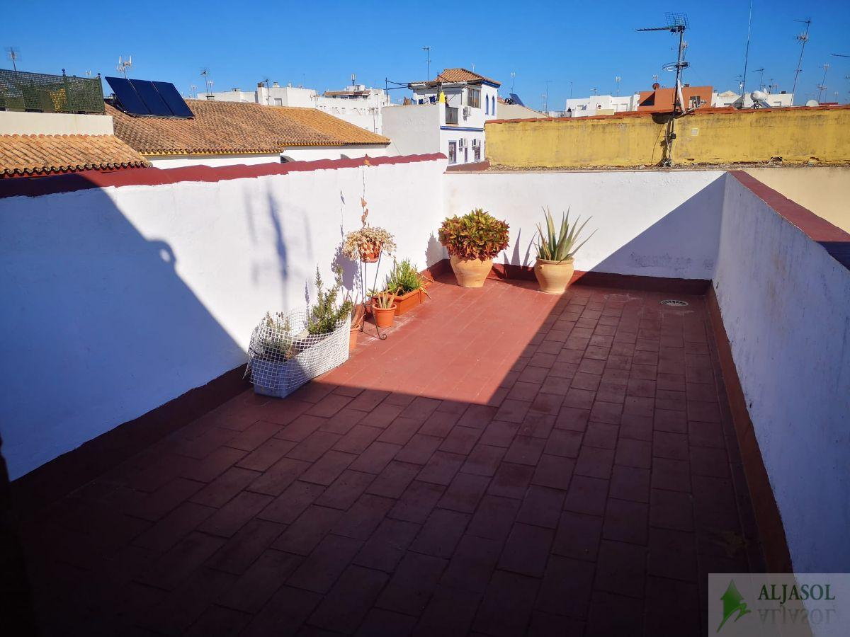 For sale of duplex in Bormujos