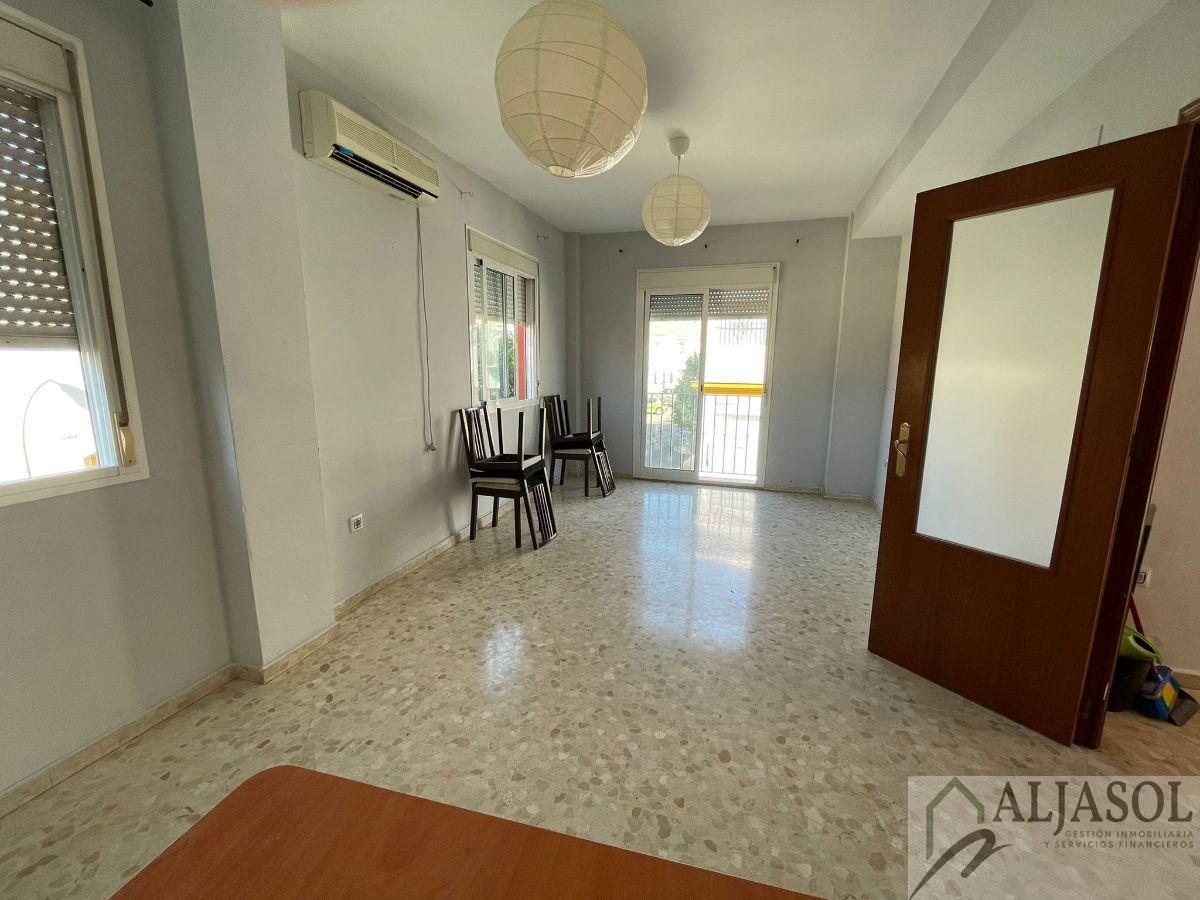 For sale of duplex in Bormujos