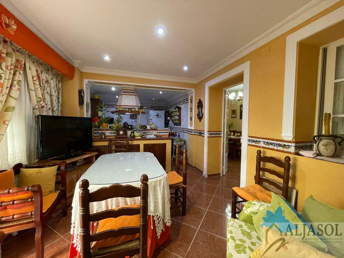 For rent of house in Santiponce