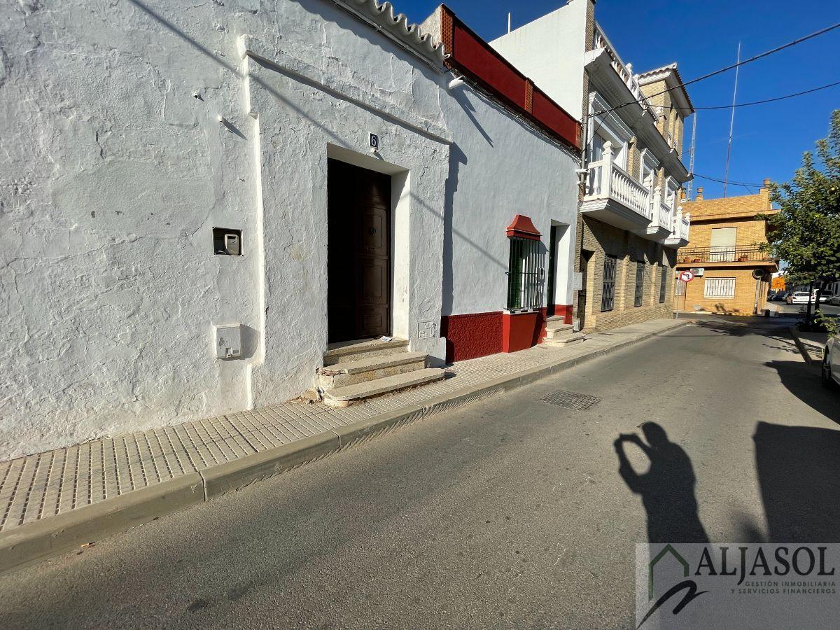 For sale of house in Bollullos de la Mitación