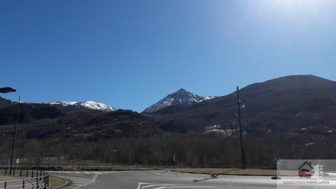 For sale of land in Benasque