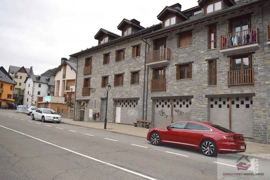 For sale of commercial in Sallent de Gállego