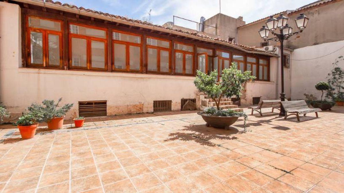 Venta de edificio en Alcalá de Henares