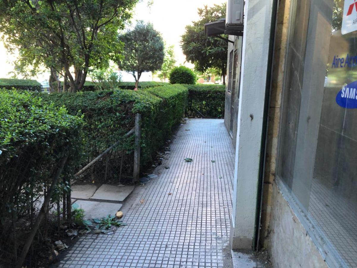 Venta de local comercial en Alcalá de Henares