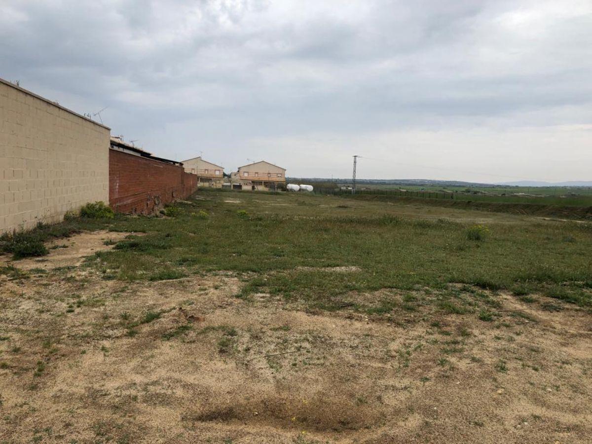 Venta de terreno en Cuerva