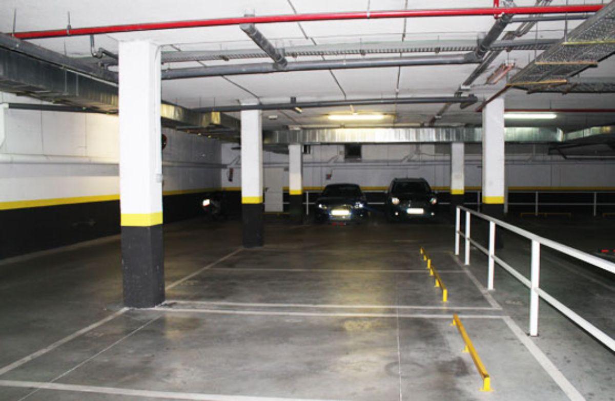 Venta de garaje en Villalbilla