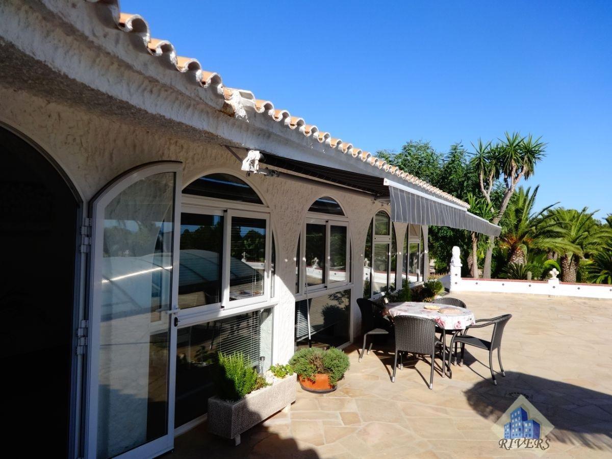 For sale of villa in L´Ametlla de Mar