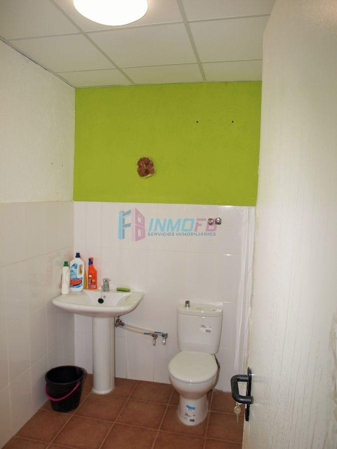 For rent of commercial in Valseca