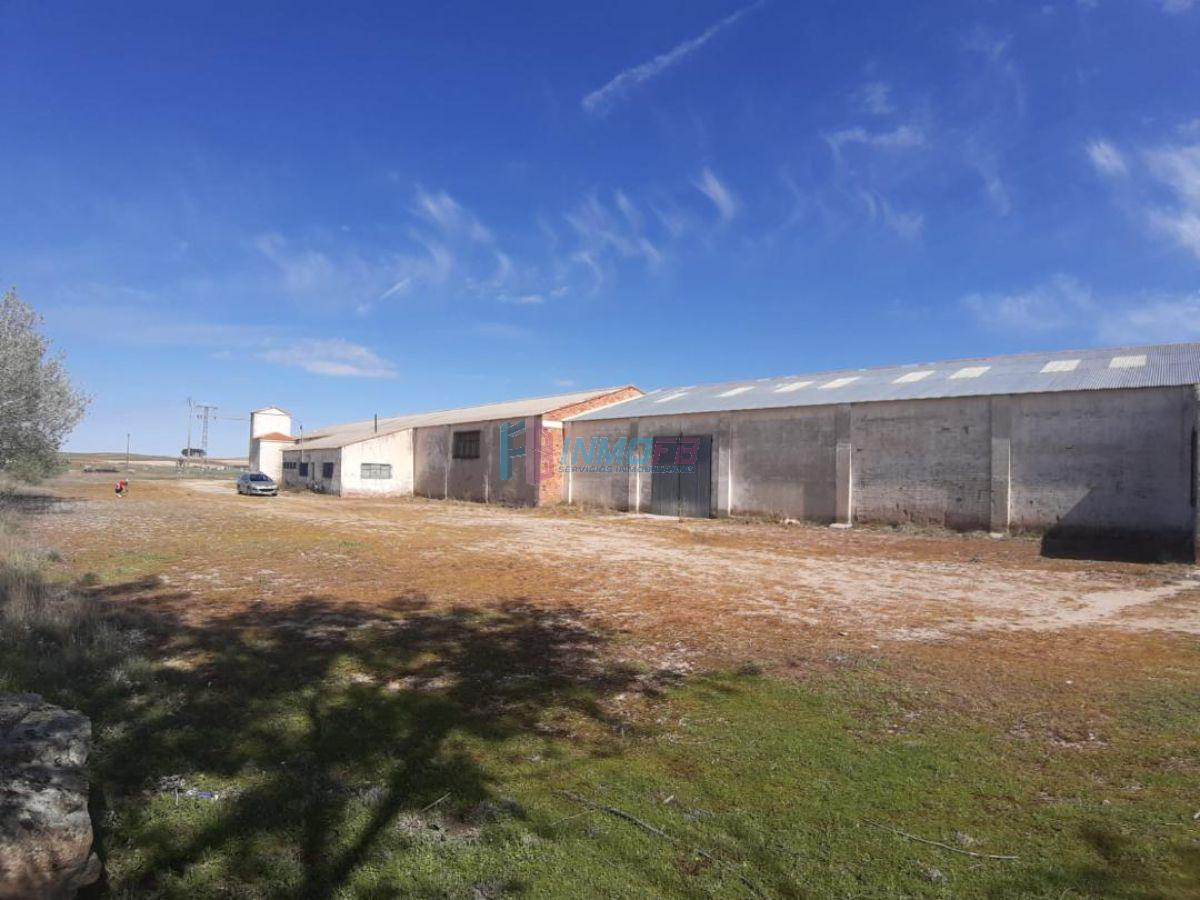 For sale of industrial plant/warehouse in Santa María la Real de Nieva