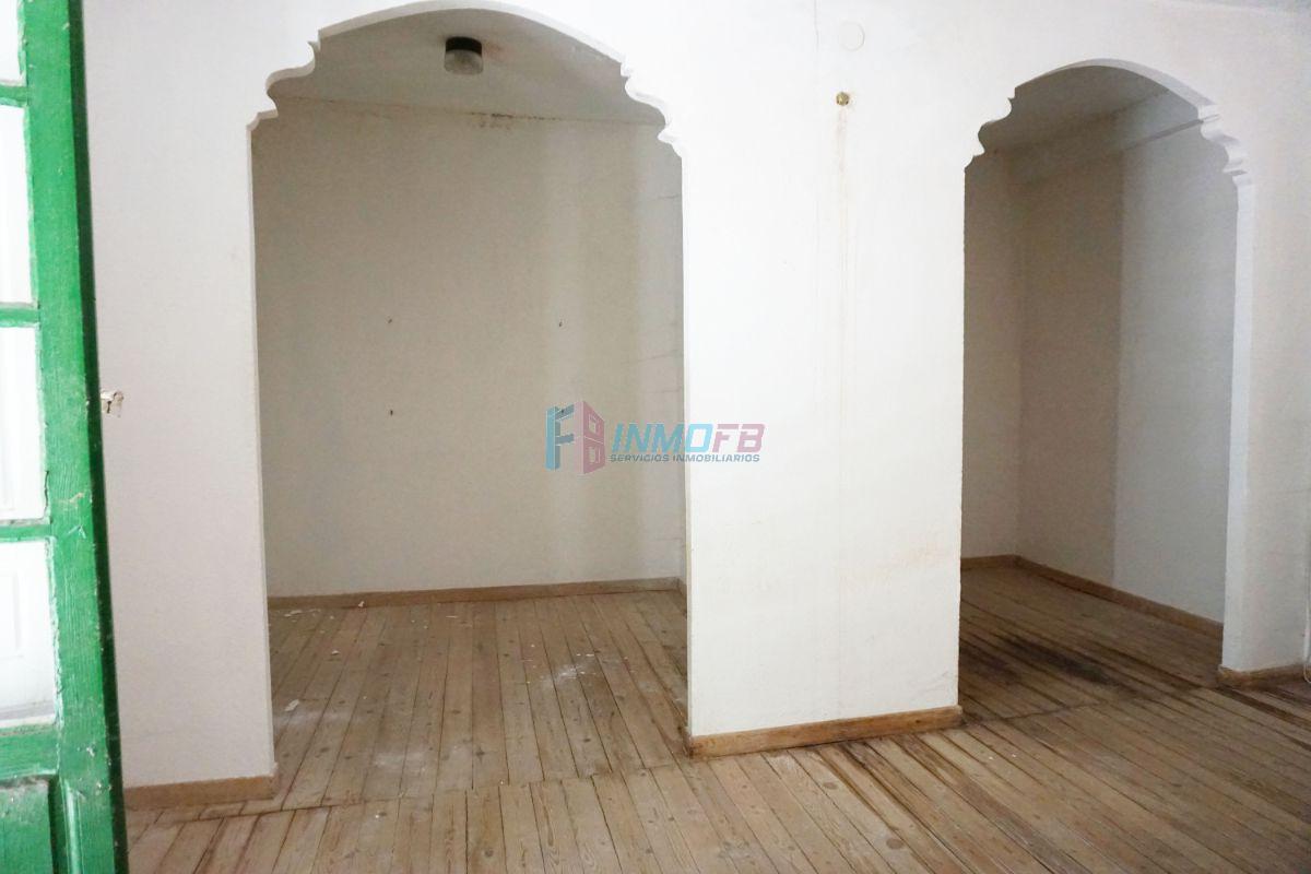 For sale of house in Bernuy de Porreros