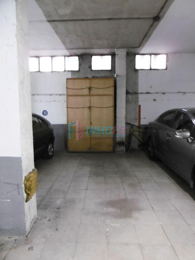 For rent of garage in Segovia