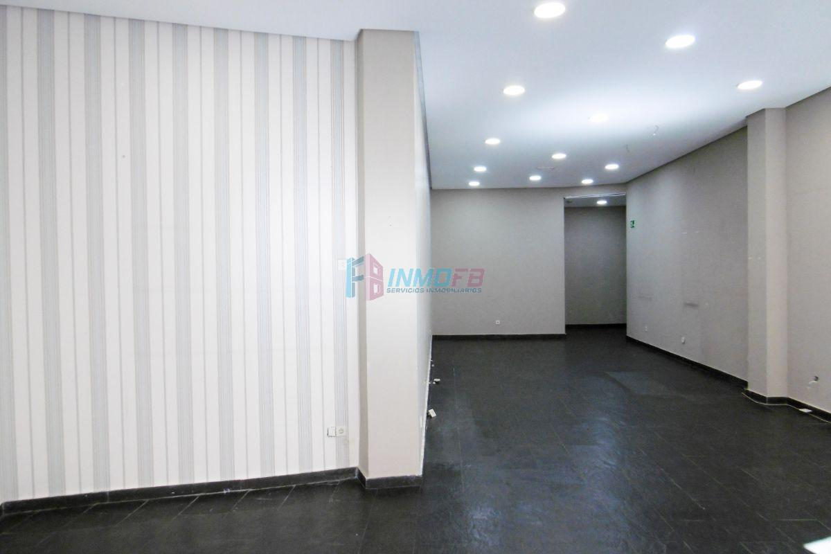 For rent of commercial in Segovia