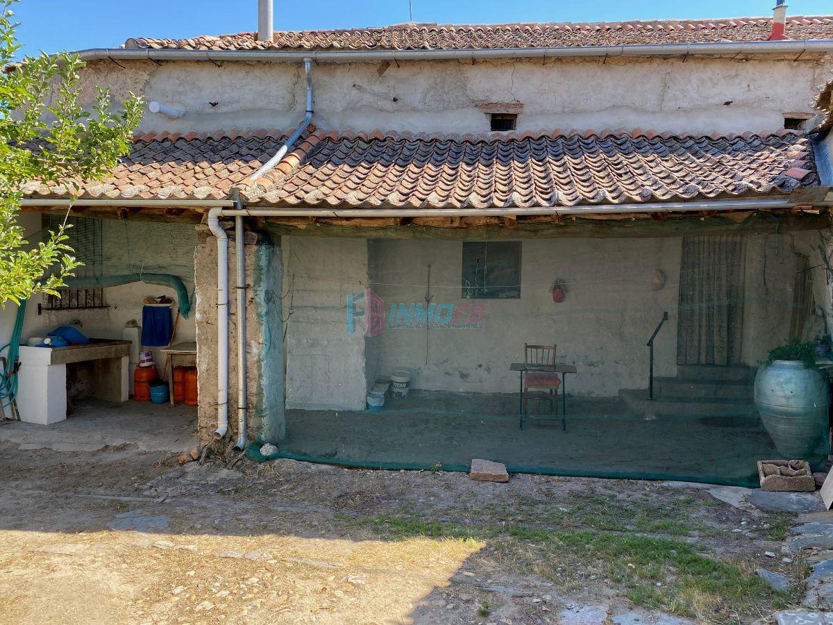 For sale of house in Nieva