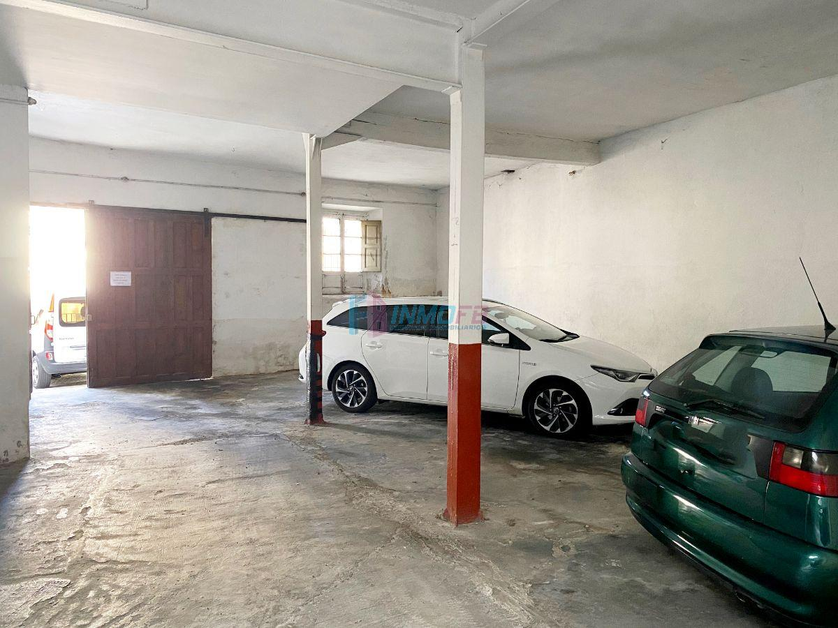 For sale of garage in Segovia