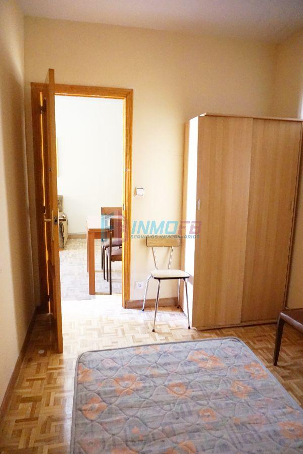 For sale of flat in Segovia