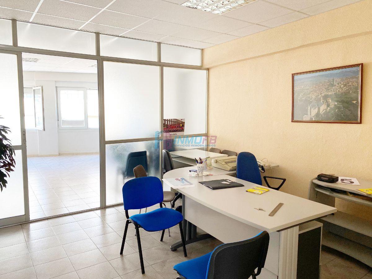 For sale of office in Segovia