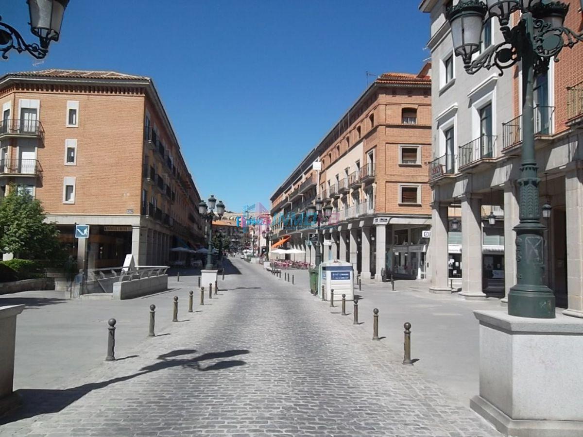 For rent of garage in Segovia