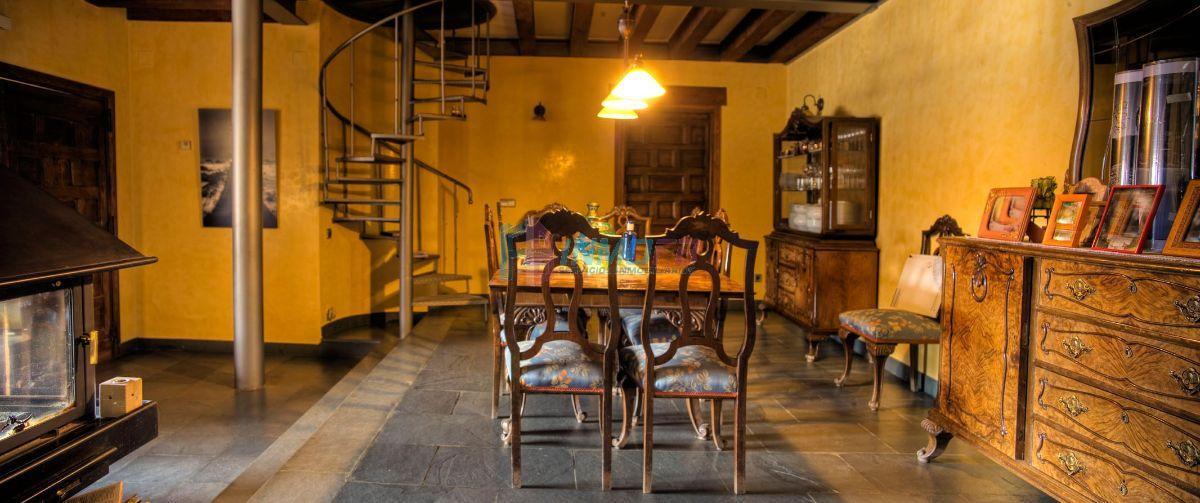 Venta de chalet en Santo Domingo de Pirón
