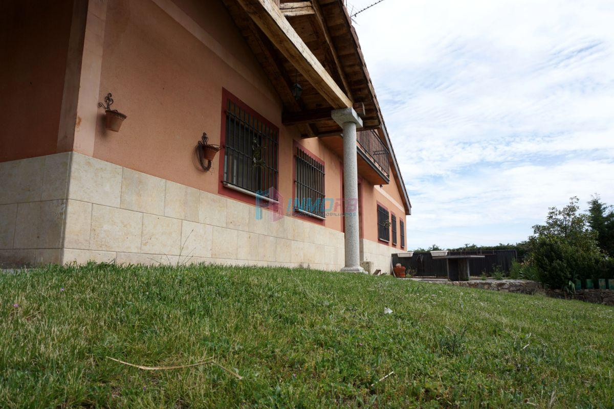 For sale of chalet in Torrecaballeros