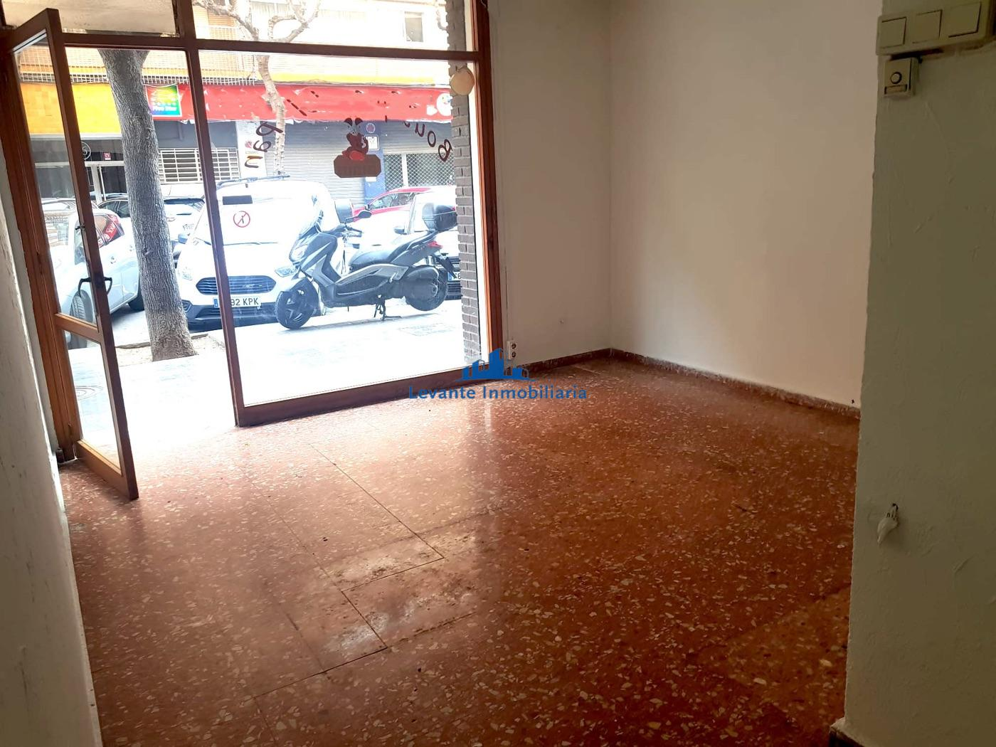 For rent of commercial in Valencia