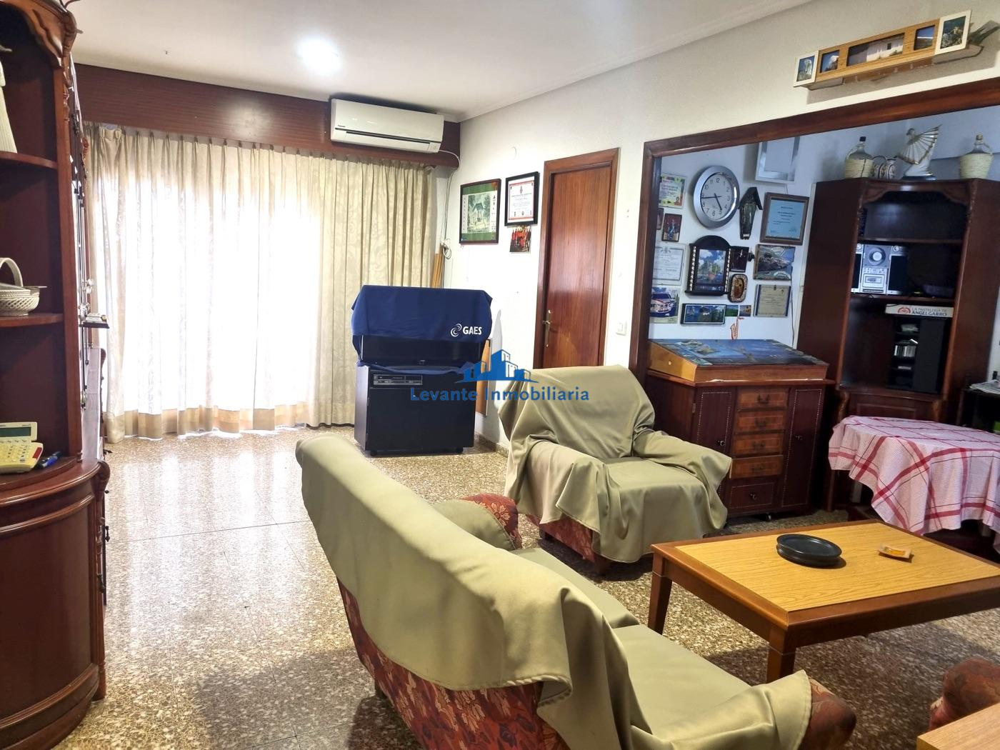 For sale of flat in Bonrepòs i Mirambell