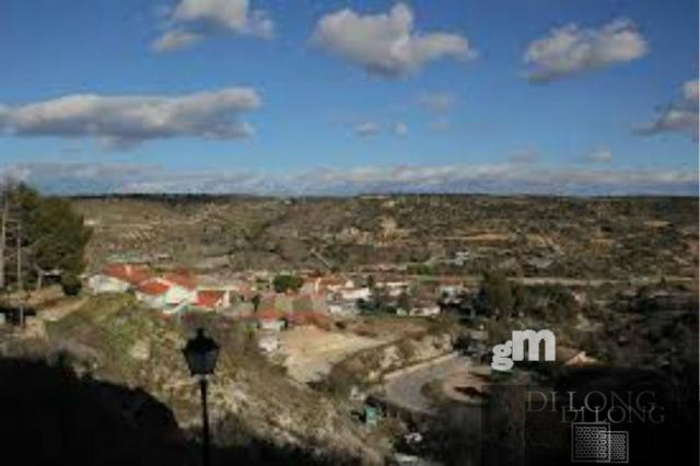 For sale of land in Valdilecha
