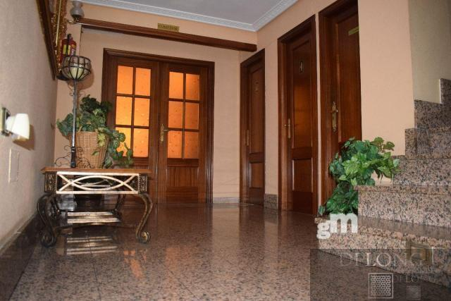 For sale of hotel in Benavente
