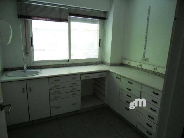 For sale of office in Elche