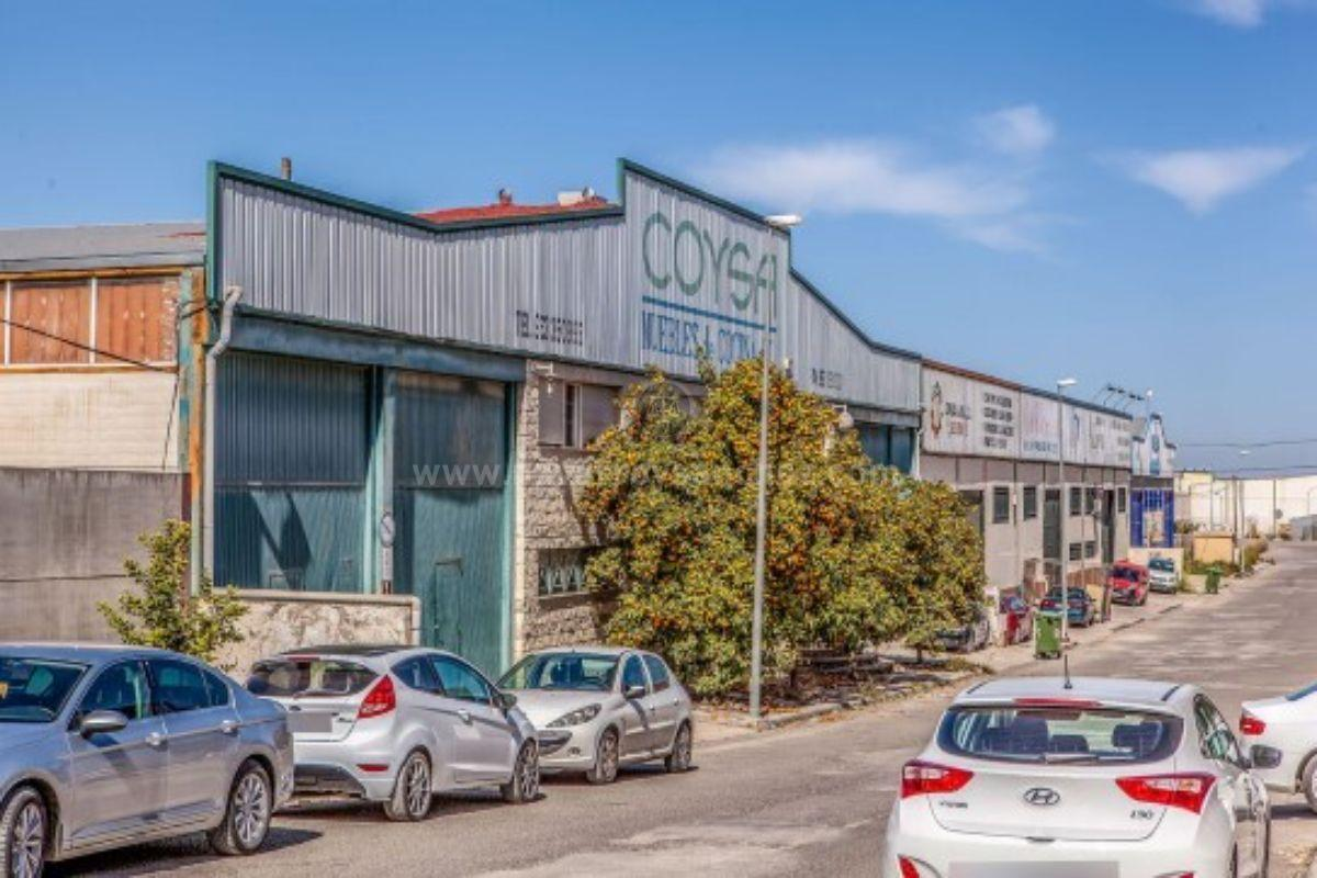 For sale of industrial plant/warehouse in Mancha Real