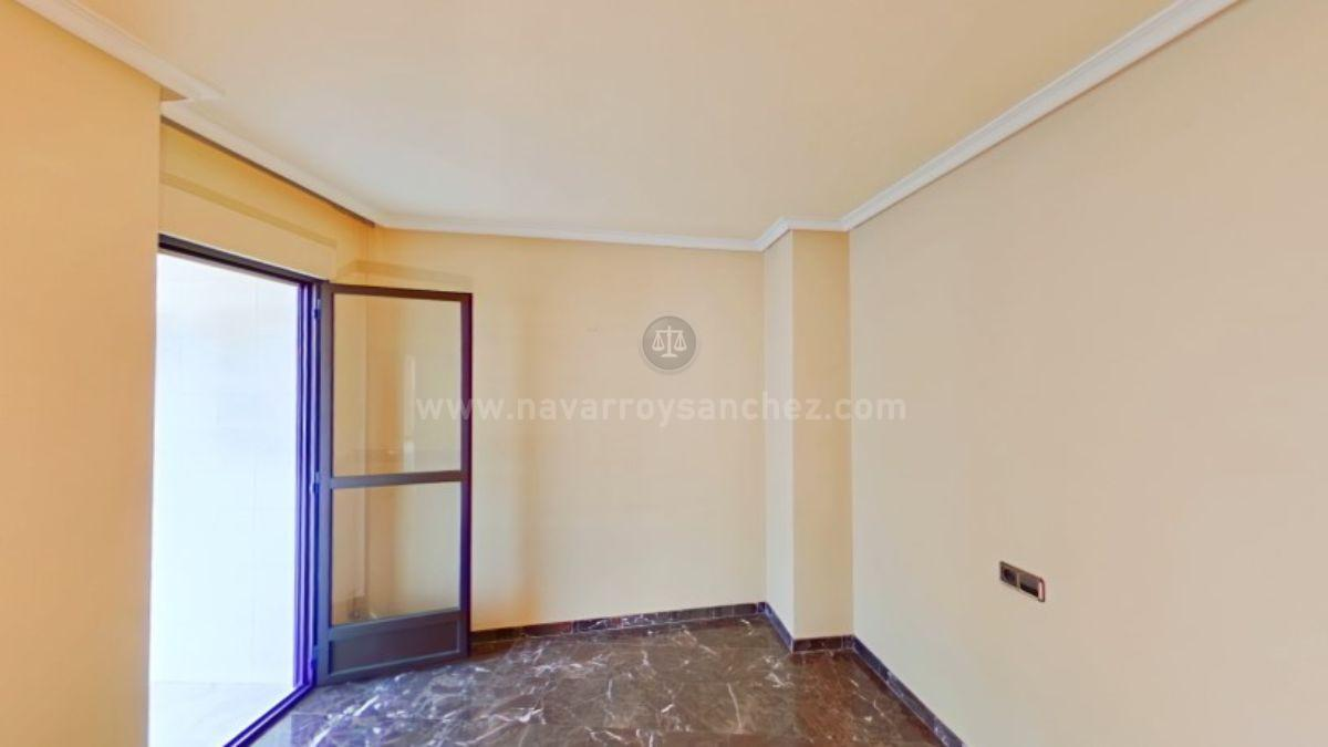 For sale of flat in Jaén