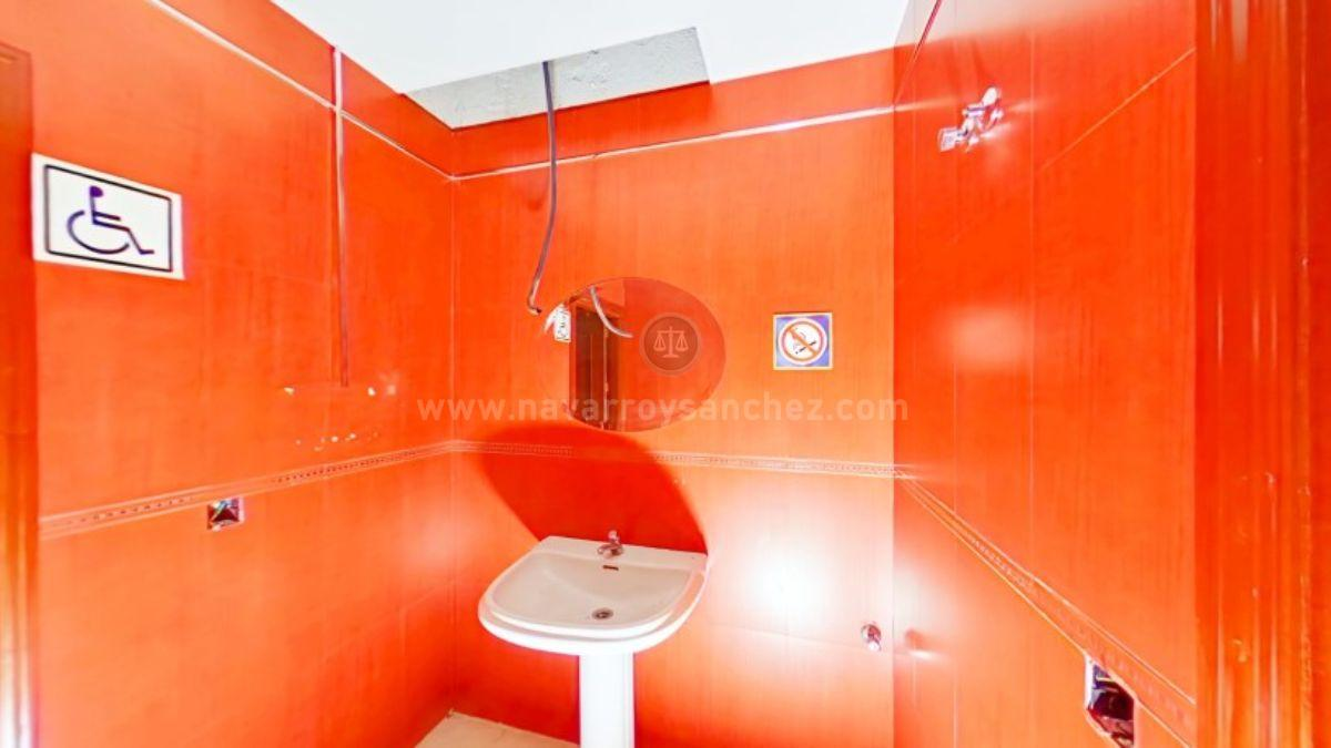 For sale of commercial in Puente Genil