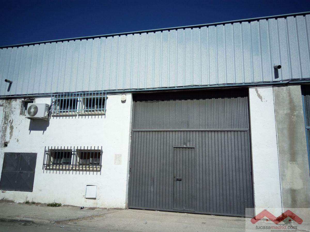 For sale of industrial plant/warehouse in Loeches