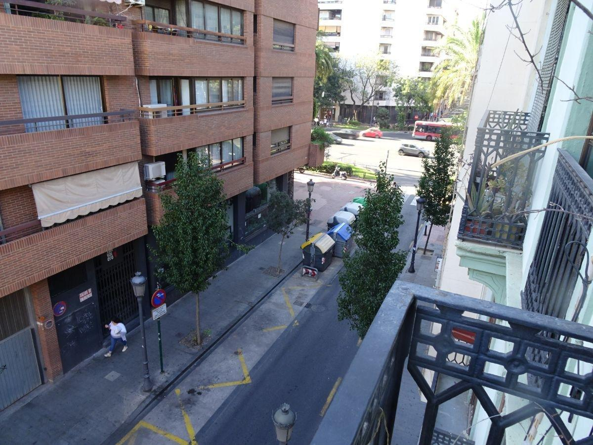For sale of study in Valencia