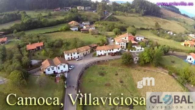 Venta de terreno en Villaviciosa