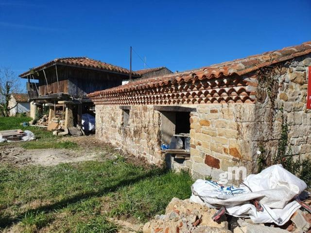 For sale of land in Villaviciosa
