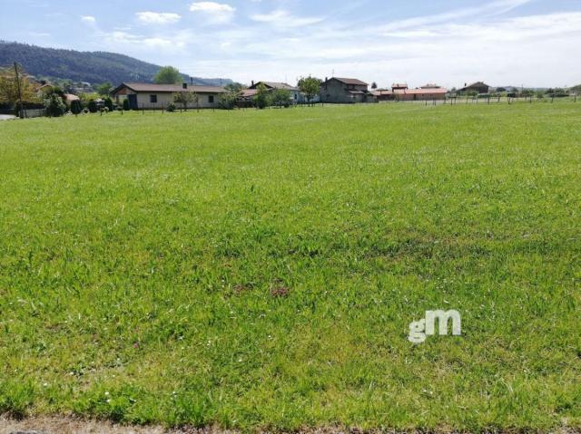 For sale of land in Villaviciosa