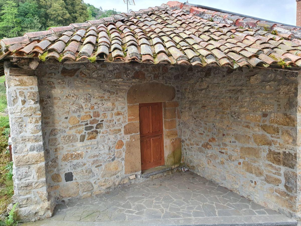 For sale of house in Cabranes
