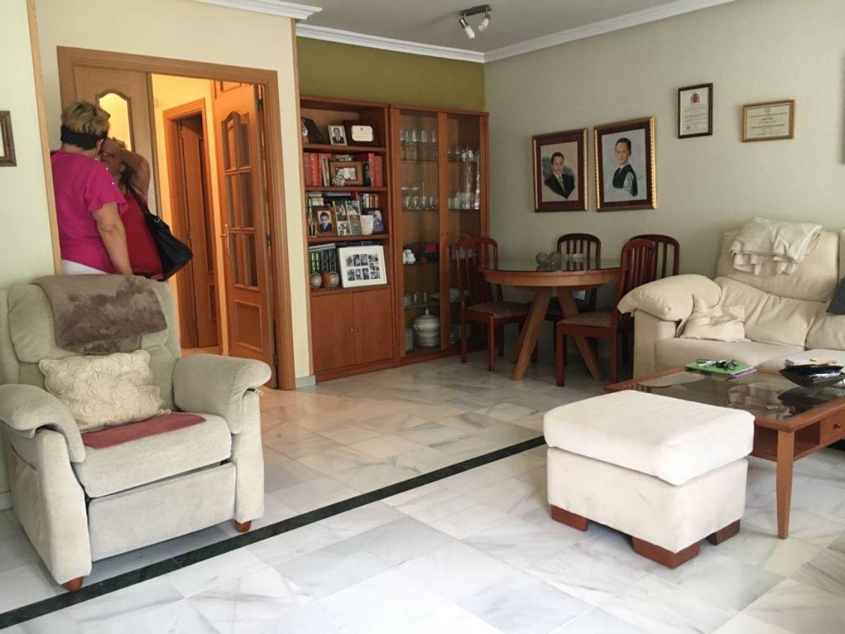 For sale of chalet in Villamayor