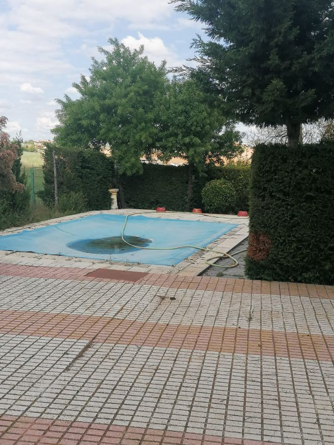 For sale of chalet in Calvarrasa de Arriba