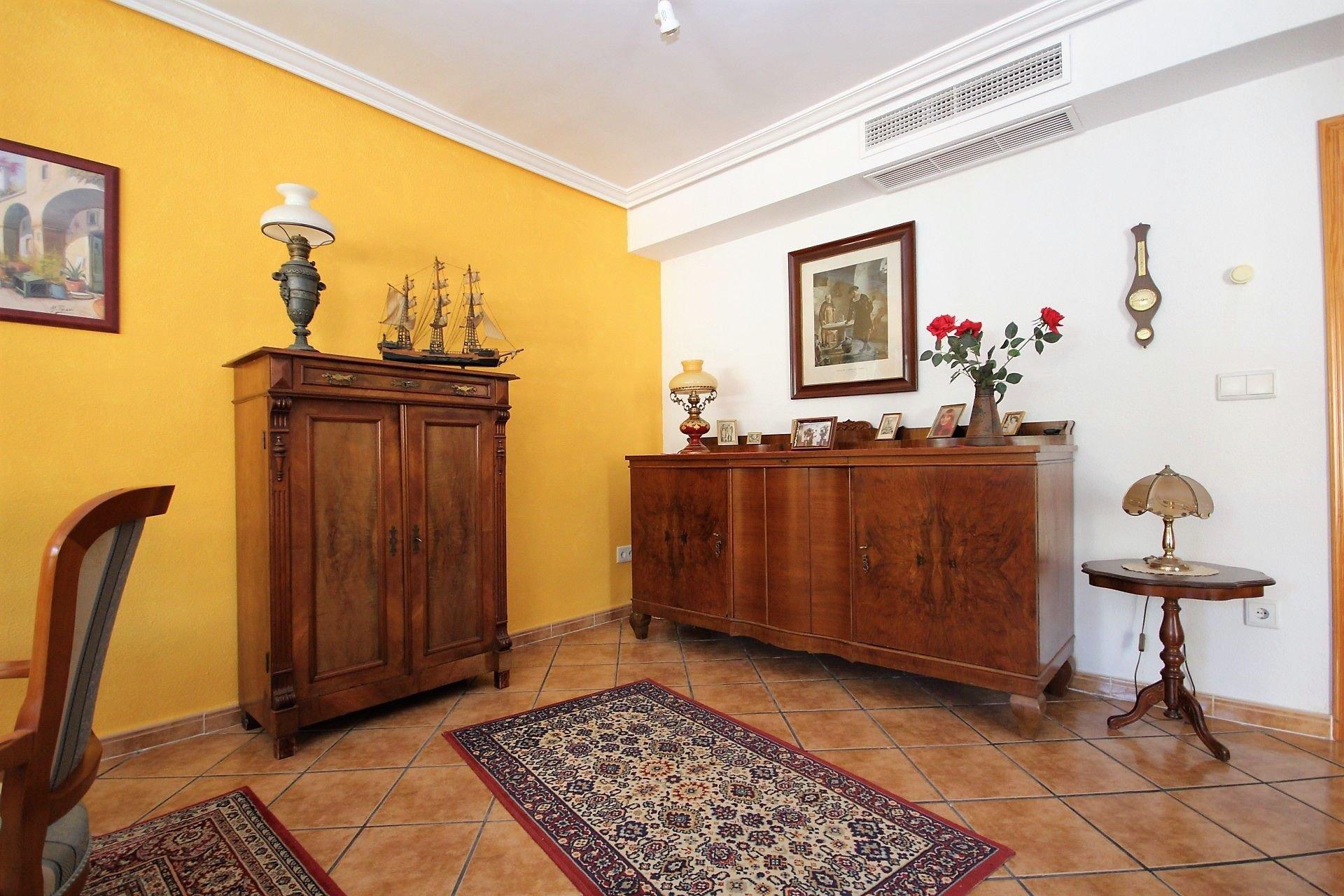 For sale of house in Alfaz del Pi _ lAlfàs del Pi