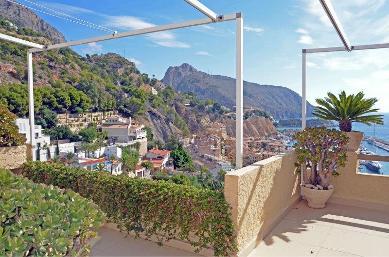 For sale of penthouse in Altea