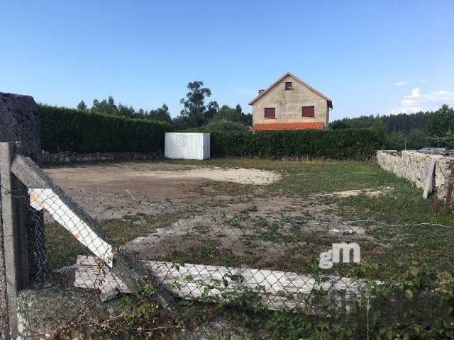 For sale of land in Pontevedra